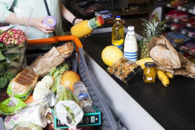 スーパーでの買い物